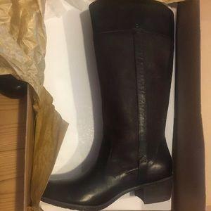 UGG boots - size 8.5 dark Brown/black